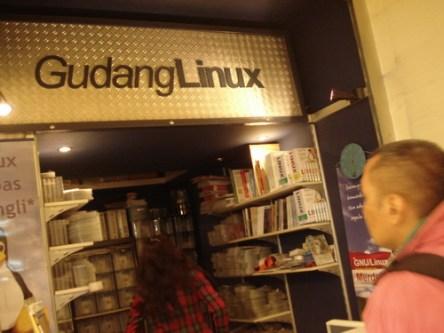 deni-triwardana-gudang-linux.jpg