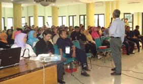 deni-triwardana-seminar2.jpg